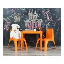 К -т детска маса АЗБУКА и две столчета +подарък форми за сладолед