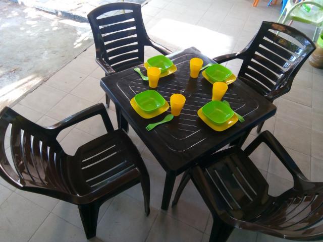 Комплект маса с четири стола РЕКС